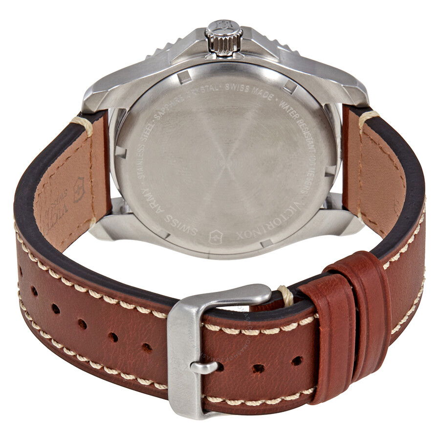 Victorinox Maverick Blue Dial Men S Leather Watch 249106